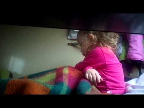 skritaya-kamera-u-devchonok-video