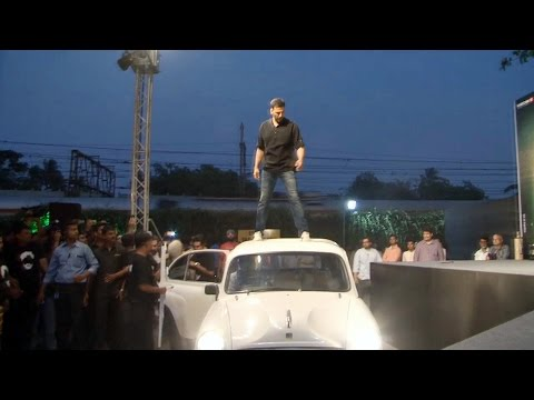 Akshay Kumar's GRAND ENTRY @ Gabbar Is Back Trailer Launch