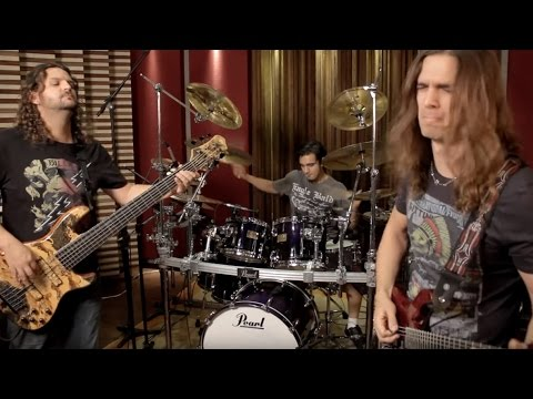 Kiko Loureiro Trio - Gray Stone Gateway (Bruno Valverde, Andreoli, Kiko Loureiro)