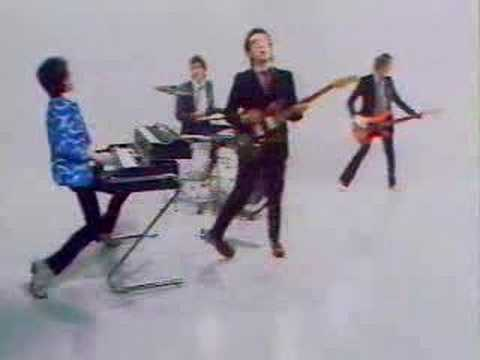 Elvis Costello - Pump it up