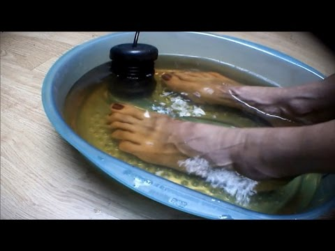Could Detox Foot Baths Actually Remove Toxins From Your Body?