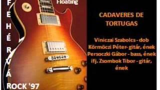 Watch Cadaveres De Tortugas Floating video