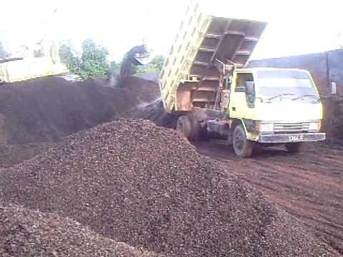 Loading Palm Kernel Shell Cangkang Sawit Biomass  Youtube