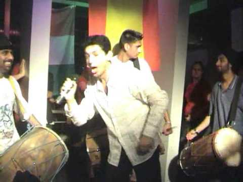 Yama Just Listen! VS. Shahrukh Khan, Pretty Woman from Kal Ho Naa Ho, Graduation Party MP3