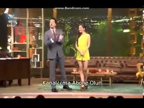 Beyaz Show Neslihan Atagülün Sahneye Gelişi 25 ekim 2013