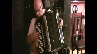 Demonstration of a button accordion (bayan) Giulietti
