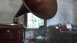 1902 Victor IV phonograph playing:  Sweet Genevieve. Sung by John McCormack. 78 RPM Victor record.