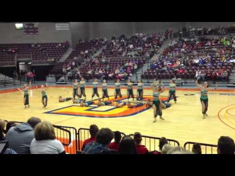 Dixie High School -- Kick