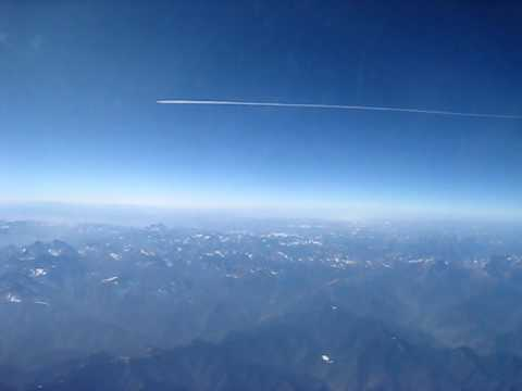 Flying Qantas Over China 747