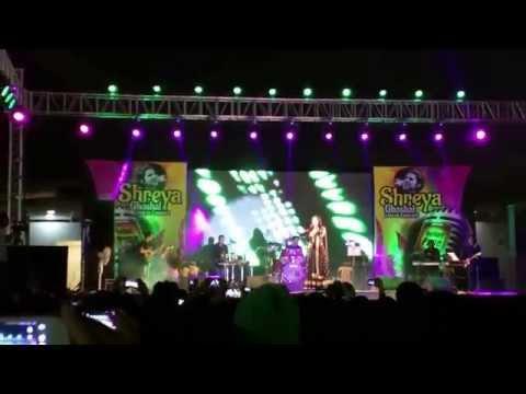 Shreya Ghoshal live concert at Infosys Pune (Jadu hai nasha hai)