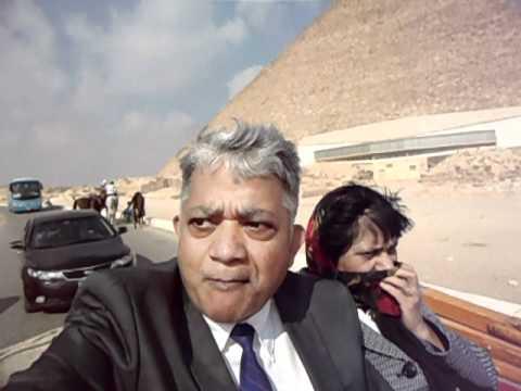 Hari & Aruna Sharma on Tonga to Queen,s Pyramid in Giza 25.11.11.mov