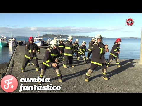 bomberos bailan nene malo imperdible coreografia