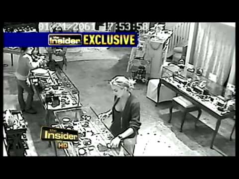 Does security camera surveillance show Lindsay Lohan stealing jewelry necklace f
