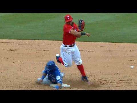 Blue Jays, Rangers get into wild melee