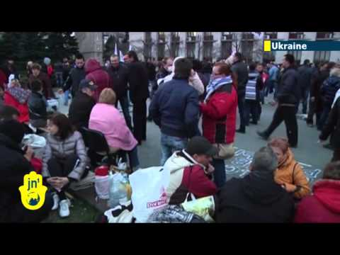 Russian Separatists in Ukraine: Luhansk standoff continues as Kiev blames Kremlin agents