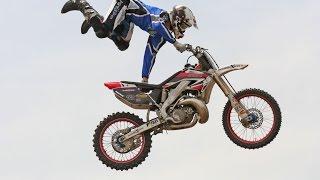 Dangerous Bike Stunts 2017  Yamaha Bike stunts  Am