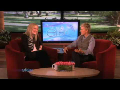 Dakota Fanning on Ellen (2009-11-16)
