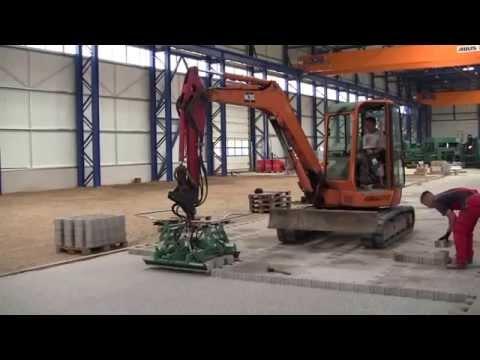 HUNKLINGER pflastern im Industriebau - Yanmar Vio excavator - port paving, interlocking tiles