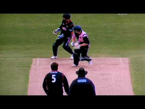 Eoin Morgan reverse reverse sweep!