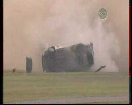 Massive v8 supercars crash 2005 Video