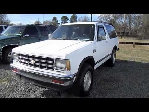 Chevrolet and GMC Pickups 198898 CK Classic 1999
