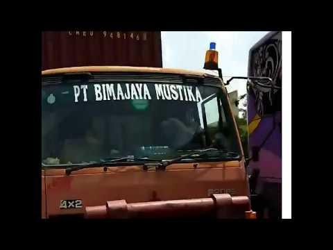 Ribut Sopir Truck Fuso Vs Sopir Bis Haryanto,menge