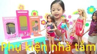 Chị em búp bê Barbie, mở hộp phụ kiện nhà tắm của Barbie - AnhAnhChannel.com