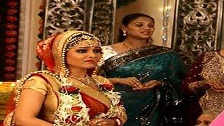 Angoori Bhabi And Tiwari Ji's Takes Their Vows Again In 'Bhabi Ji Ghar Par Hai' | #TellyTopUp