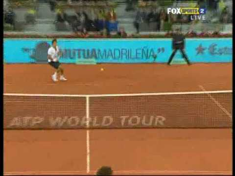 Madrid 2010: QF Roger v Gulbis (Highlights Part 1)