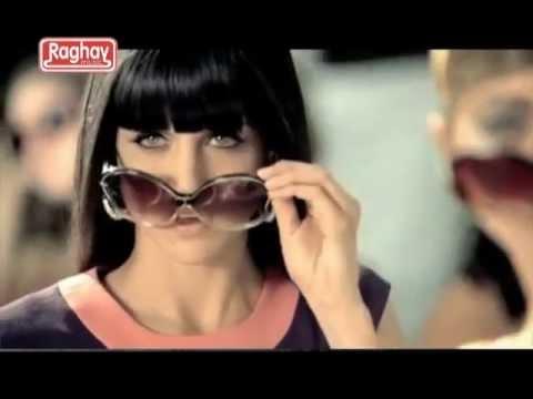 Doshi Tane Chikaniu Ne Gujarati Top 10 Hit Video Song 2011 video