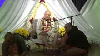 2014.10.18. Vyasa Puja -1- Abhisheka HG Sankarshan Das Adhikari, Kaunas, Lithuania