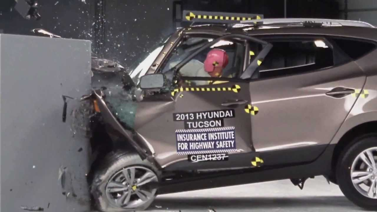 Iihs 2013 Hyundai Tucson Ix35 Small Overlap Crash Test