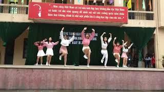 Trường Nhà Người Ta Nhảy Bboom Bboom  Momoland Roly Poly T ara mà ghen tị quá !!!