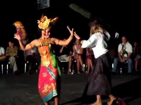 Joged Bali - Mahasiswa Inholland University