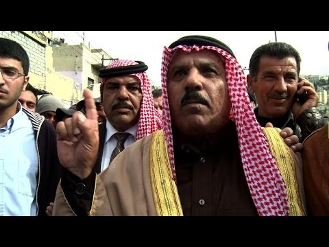 Angry Jordanians react to death of pilot in mass protest