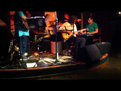 Trifase e Toninho Horta (Daniel Silveira Beethovinho e Binho Carvalho)Marcos Garcia Guitarra