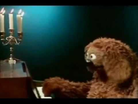 Muppet Rowlf the Dog Happy Birthday to You