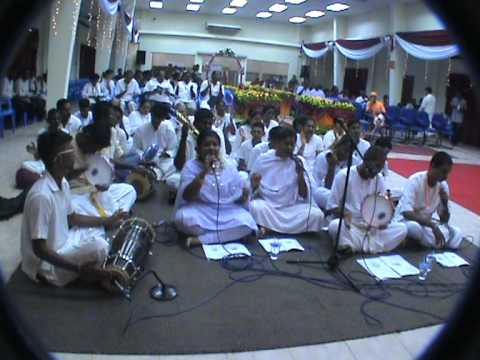 Unity Bhajan 2011 - Amma Bhagawan 3.mpg video