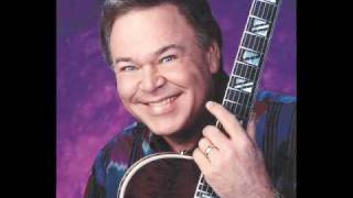 Watch Roy Clark Thank God And Greyhound video