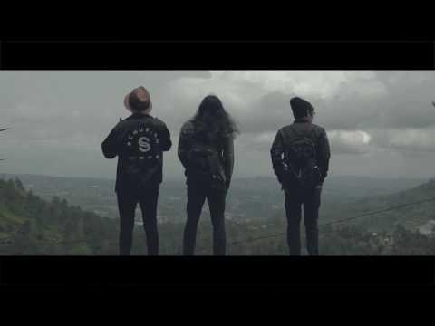 THE DRAMMA - TEMPAT TERINDAH OFFICIAL LYRIC VIDEO