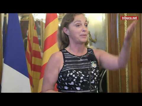 Thumbnail of Irina Brook accepting the Légion d'honneur