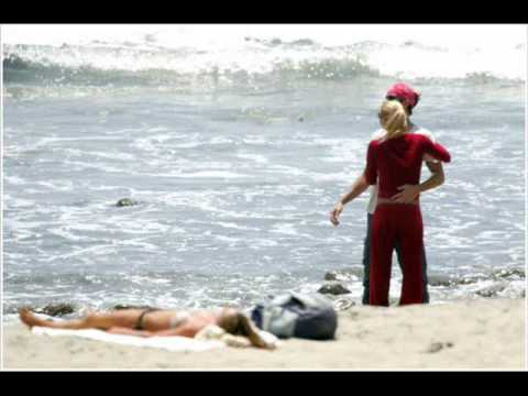 Enrique Iglesias & Anna Kournikova  on the beach etc.