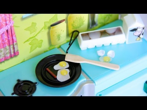 How to Make a Doll Skillet with Eggs and