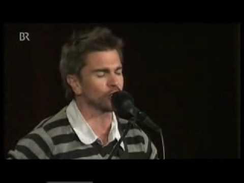 Cuarta parte del concierto cerrado que Juanes dio. ------------------------------------ Cuando el tiempo pasa y nos hacemos viejos nos empieza a parecer Que ...