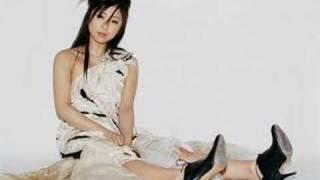 Watch Utada Tippy Toe video