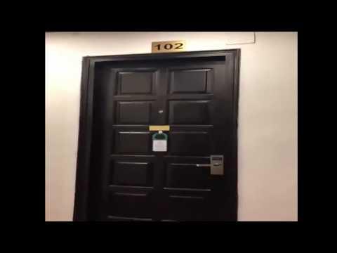 100% các thanh niên sẽ đoán được chuyện gì sau cánh cửa