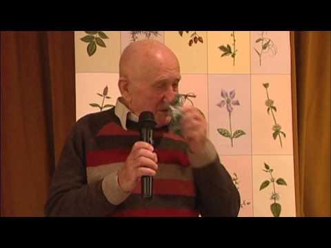 A parlagfű, mint rákgyógyszer? - A bükki Fűvesember előadása Győrben