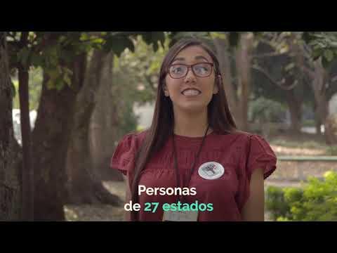 Ella es Paola Flores