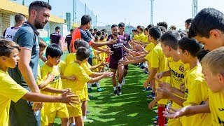 Los participanes de los Campus del Villarreal CF conocen a los jugadores