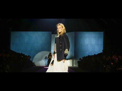 Dsquared2 F/W 2015. Daria Shapovalova at Milan Fashion Week